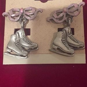 Skate earrings with pink bow
